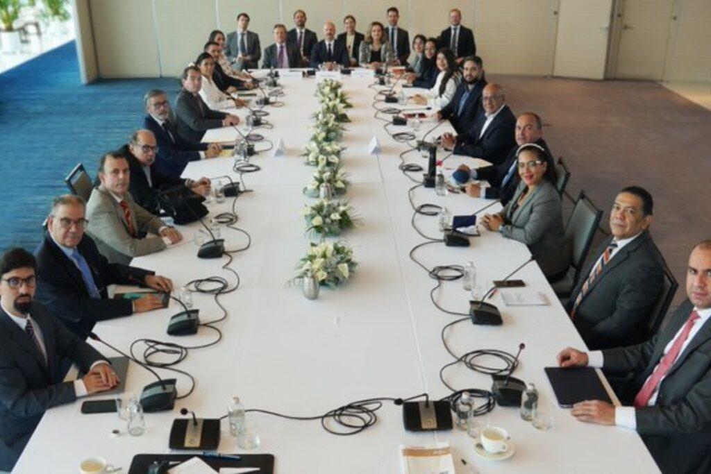 mesa de negociación venezolana en México