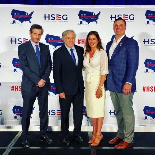 Con Héctor Schamis, el Secretario General de la OEA Luís Almagro, y Rob Walker, el director del evento.