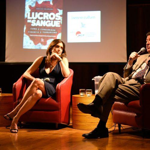 """Lanzamiento de """"Lucros de Sangue"""" en Brasilia con Rodrigo Pimentel"""